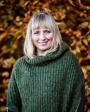 Joslyn McIntyre, freelance writer